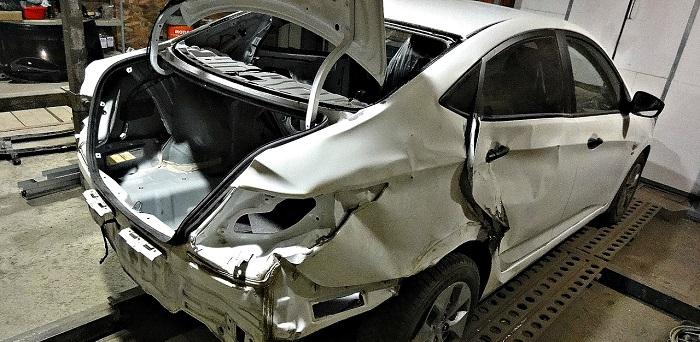 Восстановление геометрии кузова стапелем Хендай Акцент недорого