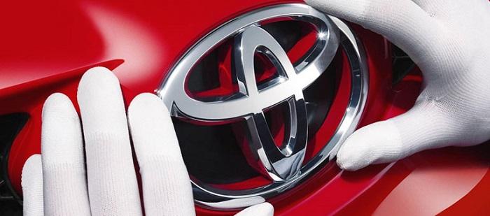 Покраска деталей кузова и восстановление геометрии Toyota Corolla